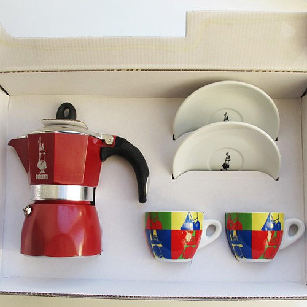 Набор из гейзерной кофеварки Bialetti Dama Glamour красного цвета на 3 порции + 2 чашки и 2 блюдца, 5330/MR
